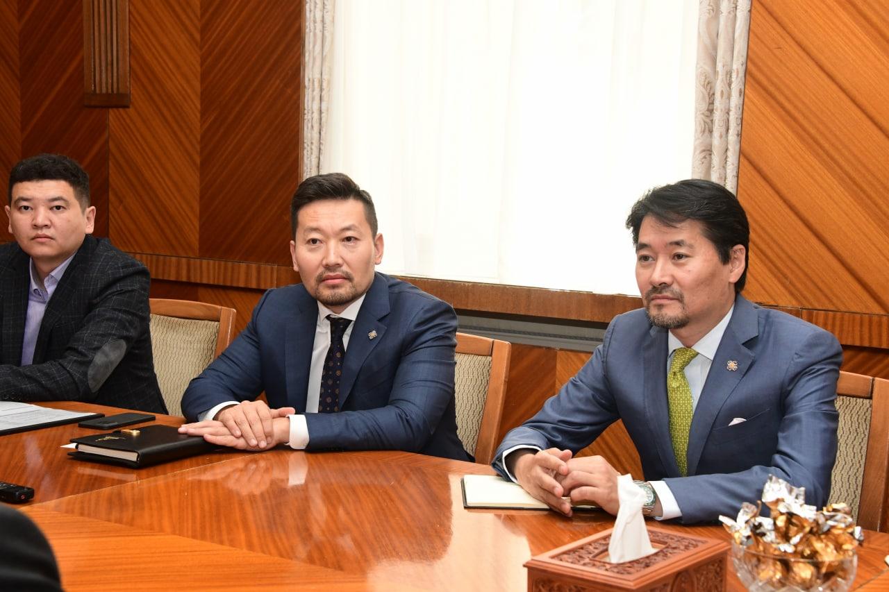 УИХ-ын гишүүн  Г.Амартүвшин, Х.Ганхуяг нар БНКазУ-аас Монгол Улсад суугаа Элчин сайд Адилбаев Жалгас Жумаевичийг хүлээн авч уулзлаа